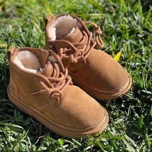 UGG🍁🍂Neumel chestnut winter boots Sz 9 toddler